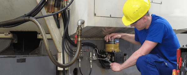Fitter installing lubrication system