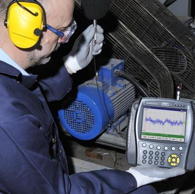 Technician using SKF Microlog AX