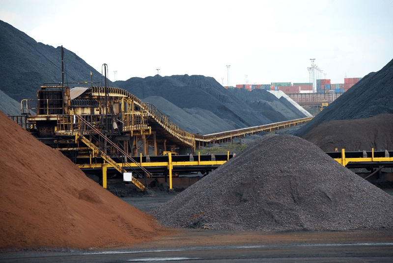 Coal terminal with conveyors